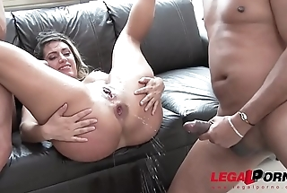 Mia Linz 3on1 monster cock fuck session with DP &amp_ pissing