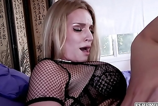 Crazy milf bitch Rachel Cavalli riding that young cock!