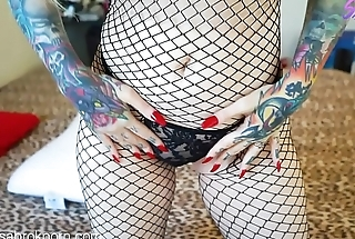 Sabrina Sabrok deepthroat pain finger nails fishnet
