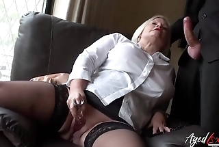 Mature fatty uses dildo for cunt while blowing cock