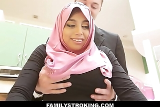 Thick Big Ass Virgin Muslim Teen Step Daughter Ella Knox Has Sexual connection With Step Dad After He By the way Mistakes Her For Her Mom